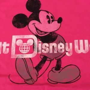 Walt Disney World Authentic Tee shirt HOT PINK